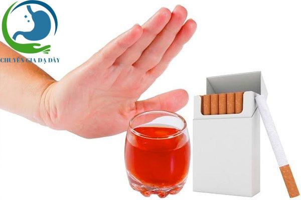 Bệnh nhân bị rối loạn cương dương nên tránh xa rượu bia và thuốc lá