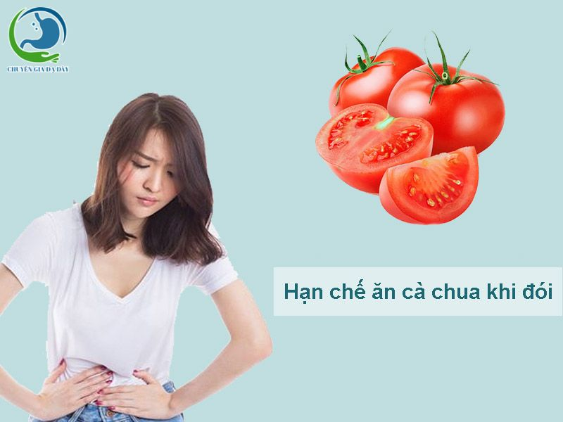 Hạn chế ăn cà chua khi đói