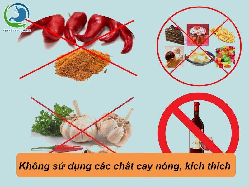 Hạn chế ăn các loại thực phẩm cay nóng, kích thích để ngăn ngừa trào ngược dạ dày thực quản