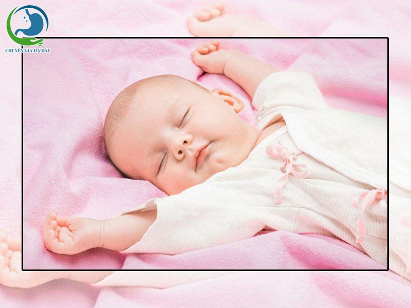 Tư thế đúng lúc ngủ của trẻ