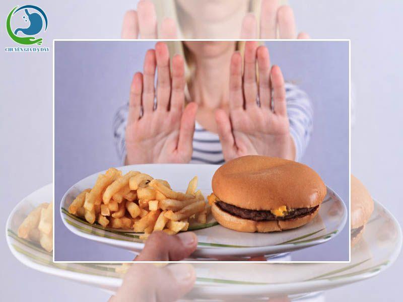 Bị tiêu chảy không nên ăn đồ ăn có nhiều chất béo